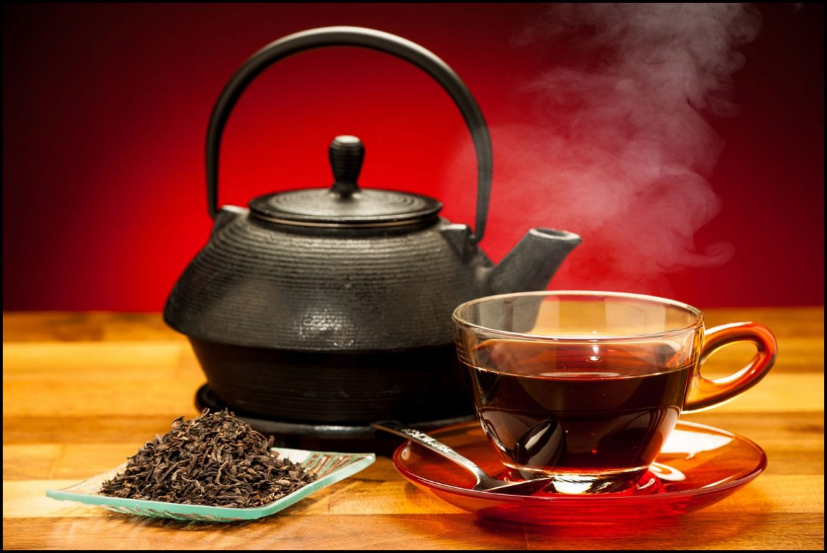 Chinese Black Tea Side Effects and Things to Avoid